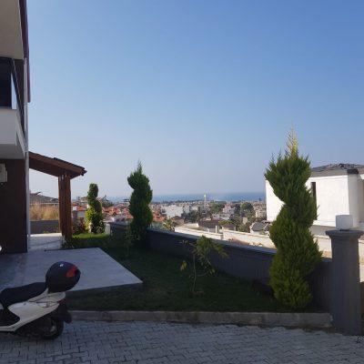 kuşadasıda panaromik deniz manzaralı doğasıyla fark yaratan 11adet sıfır satılık lüks villalar